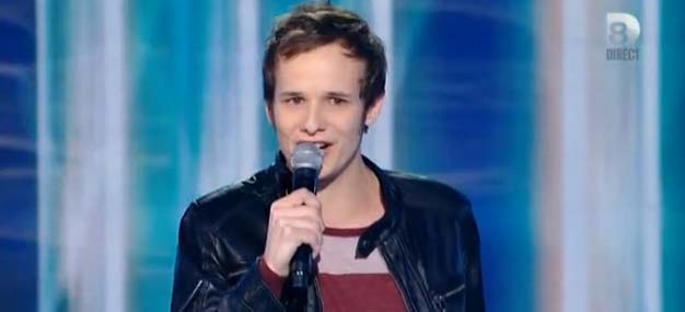 http://www.coulisses-tv.fr/images/stories/articles/emissions/d8/tele-realite/2013/nouvelle-star/nouvelle-star-prime-1-timothee-coups-et-blessures-bb-brunes.jpg