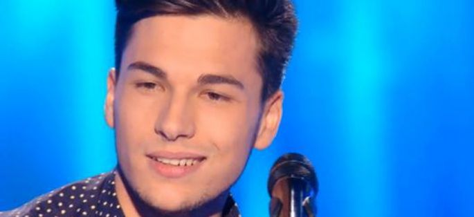 "Replay ""The Voice"" : Hadrien Collin chante « Pas là » de Vianney (vidéo)"