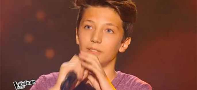 "Replay ""The Voice Kids"" : Thomas chante ""Caravane"" de Raphaël (vidéo)"