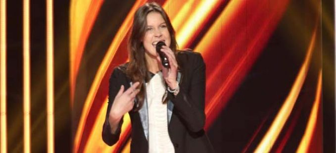 """The Voice"" : regardez Fanny Leeb qui interprète ""Please don't stop the music"" de Rihanna"
