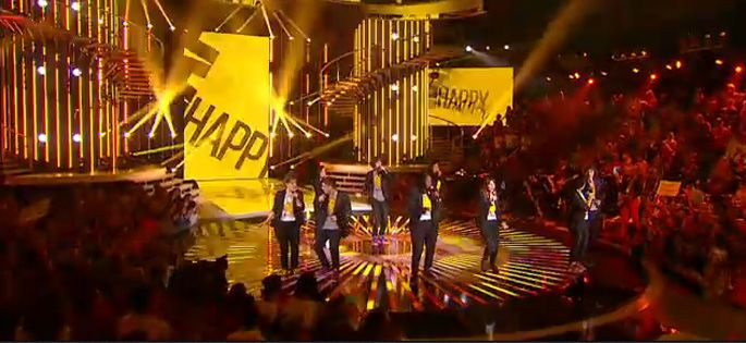 "Replay ""Nouvelle Star"" : les 9 candidats reprennent « Happy » de Pharell Williams"