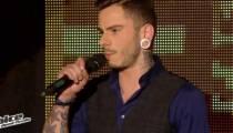 """Replay """"The Voice"""" : Maximilien Philippe chante « Le Blues du Businessman » de Starmania en ½ finale (vidéo)"""