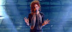 "Replay ""Nouvelle Star"" : Emji interprète ""Sweet Dreams"" d'Eurythmics (vidéo)"