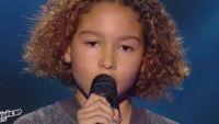 """Replay """"The Voice Kids"""" : Dylan chante « Adieu » de Slimane (vidéo)"""
