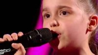 "Replay ""The Voice Kids"" : Manuela chante « Andalouse » de Kendji Girac en finale (vidéo)"