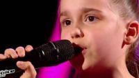 """Replay """"The Voice Kids"""" : Manuela chante « Andalouse » de Kendji Girac en finale (vidéo)"""