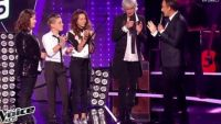 "Replay ""The Voice Kids"" : Louis Bertignac, Laura, Coline, Léo chantent « Love me Do » (vidéo)"