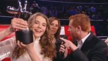 """Maëlle, 17 ans : la première femme qui gagne """"The Voice"""" en France"""