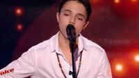 """Replay """"The Voice"""" : Gianni Bee chante « Wicked Game » de Chris Isaak (vidéo)"""