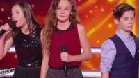 "Replay ""The Voice Kids"" : battle Pauline / Thibault / Clarisse sur « Nos secrets » de Louane (vidéo)"