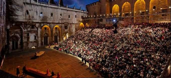 """""""Nuits d'été"""" dans les coulisses du Festival d'Avignon, jeudi 20 juillet sur France 2"""