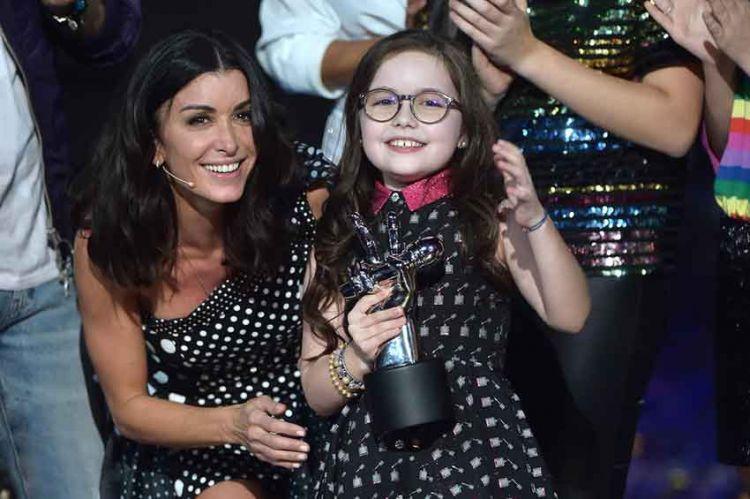 """Emma gagnante de """"The Voice Kids"""" saison 5 : regardez toutes ses prestations (vidéo)"""