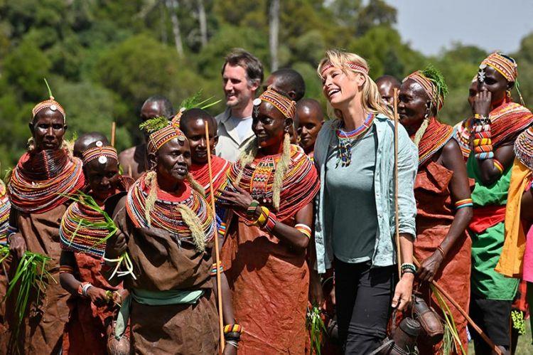 """""""Rendez-vous en terre inconnue"""" avec Estelle Lefébure au Kenya mardi 3 décembre sur France 2"""