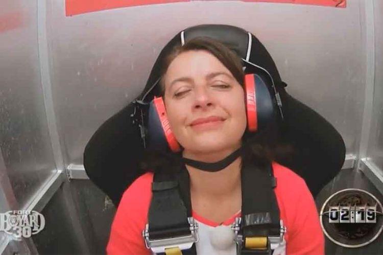 """Replay """"Fort Boyard"""" : Cécile Duflot en panique dans la cabine éjectable (vidéo)"""