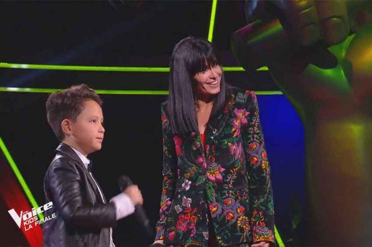 """Replay """"The Voice Kids"""" : Jenifer & Natihei « Est-ce que tu m'aimes » de Maître Gims (vidéo)"""