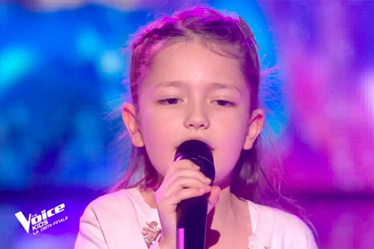 """Replay """"The Voice Kids"""" : Lena chante « Les choses simples » de Jenifer & Slimane (vidéo)"""