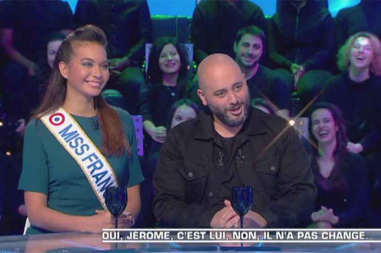 Jérome Commandeur imite Geneviève de Fontenay devant Vaimalama Chaves, Miss France 2019 (vidéo)