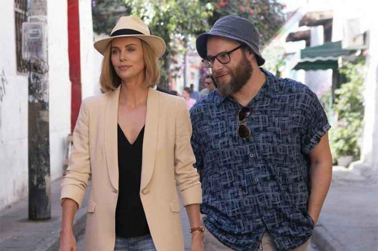 """Cyril Hanouna va recevoir Charlize Theron et Seth Rogen dans """"Touche pas à mon poste ! """" sur C8"""