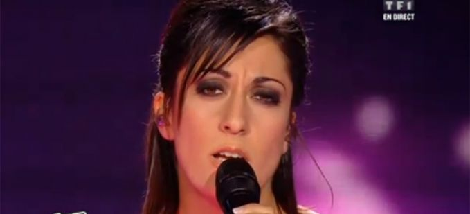 "Vidéo Replay ""The Voice"" : Victoria interprète « Je voulais te dire que je t'attends » de Michel Jonasz"