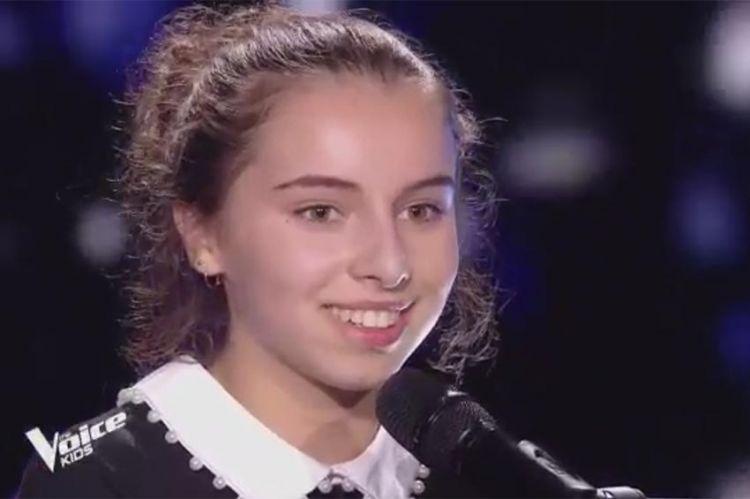 """Replay """"The Voice Kids"""" : Zoé chante « Marchand de cailloux » de Renaud (vidéo)"""