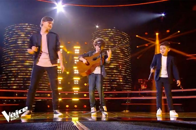 "Replay ""The Voice Kids"" : Lissandro, Jeremy & Ferdinand chantent « Les Playboys » de Jacques Dutronc (vidéo)"
