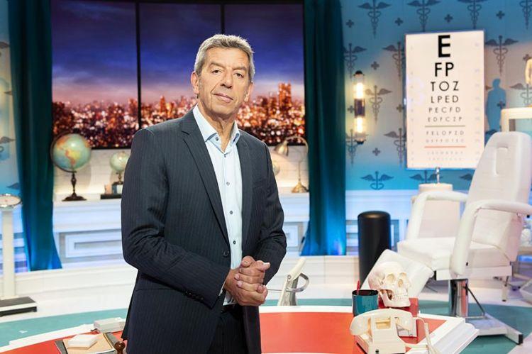 """""""Ça ne sortira pas d'ici !"""" : Michel Cymès reçoit Pascal Obispo, Artus & Estelle Lefebure le 20 novembre sur France 2"""