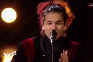 "Replay ""The Voice"" : Arezki chante « La valse à mille temps » de Jacques Brel (vidéo)"