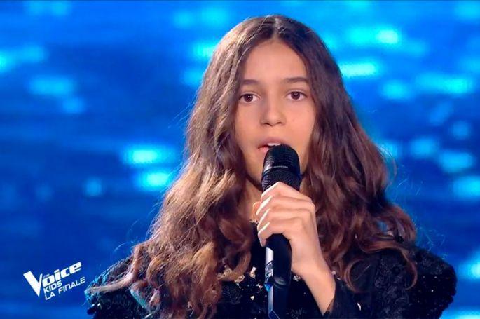 "Replay ""The Voice Kids"" : Naomi chante « J'y crois encore » de Lara Fabian (vidéo)"