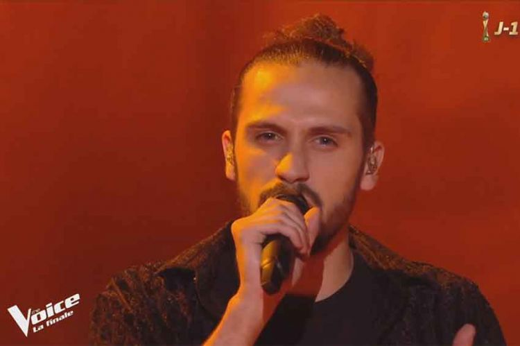 "Replay ""The Voice"" : Clément chante « Earth Song » de Michael Jackson en finale (vidéo)"
