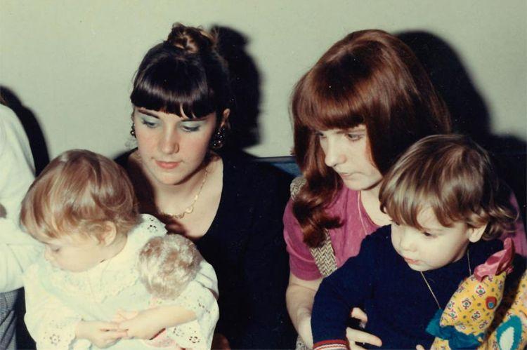 """« Nous, les filles mères », doc inédit de """"La case du siècle"""" sur France 5 avec la participation de Camélia Jordana"""