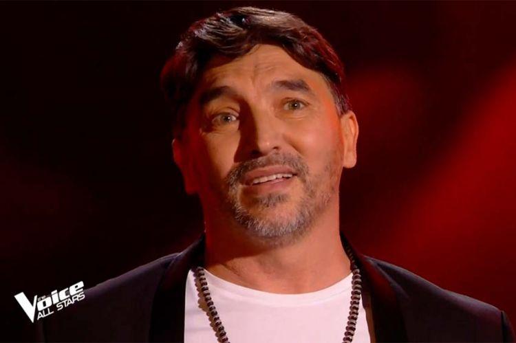 """Replay """"The Voice"""" : Atef chante « Ils s'aiment » de Daniel Lavoie (vidéo)"""