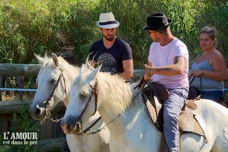 """""""L'amour est dans le pré"""" : les conseils insolites de Mathieu pour monter à cheval... (vidéo)"""