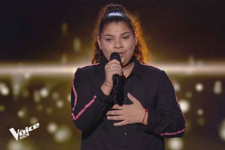 "Replay ""The Voice Kids"" : Antonia chante « Historia de un amor » de Luz Casal (vidéo)"