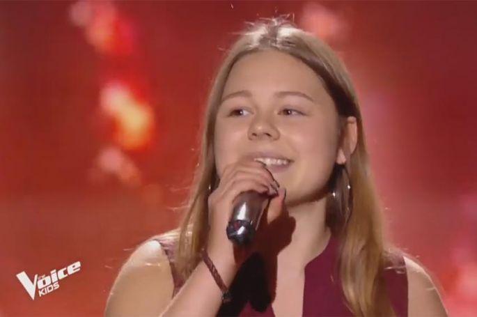 """Replay """"The Voice Kids"""" : Léna chante « Jodel-Time » de Oesch's Die Dritten (vidéo)"""