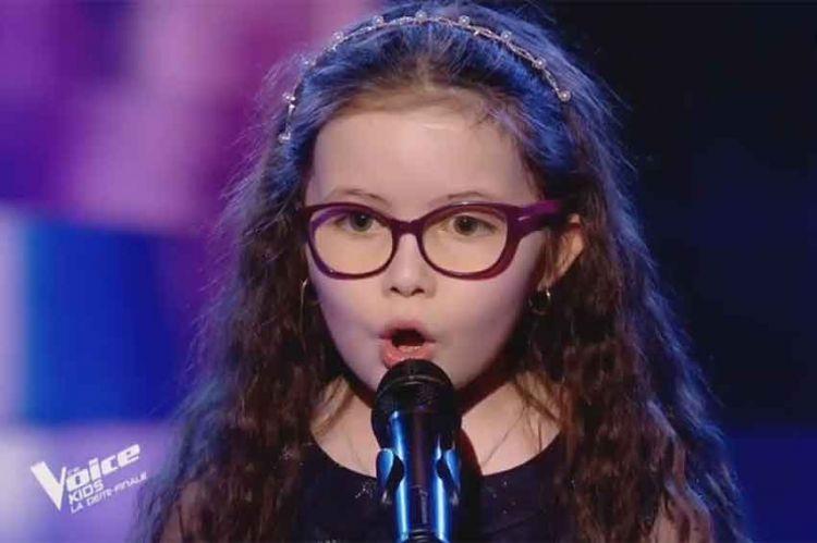 "Revoir ""The Voice Kids"" : Emma chante « My Heart Will Go On » de Céline Dion en demi-finale (vidéo)"