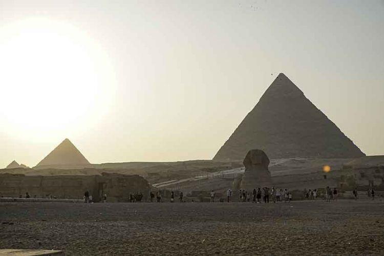 Cléopâtre, reine d'Egypte - Page 5 4de9bf31c2fff83e123657860f873f10_XL
