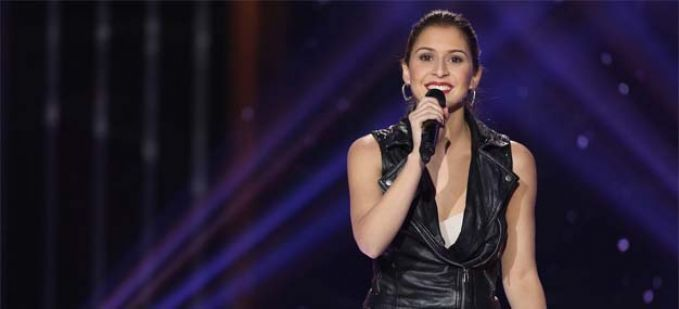 """The Voice"" : regardez Diana Espir qui interprète ""What a feeling"" d'Irène Cara"