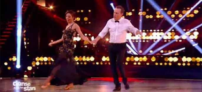 "Replay ""Danse avec les stars"" : Julien Lepers & Silvia « It's Not Unusual » de Tom Jones (vidéo)"