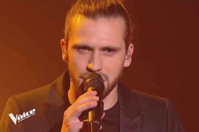 """Replay """"The Voice"""" : Clément chante « Puisque tu pars » de Jean-Jacques Goldman (vidéo)"""