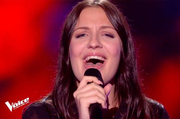 """Replay """"The Voice"""" : Manon Cruz chante « Alive » de Sia (vidéo)"""