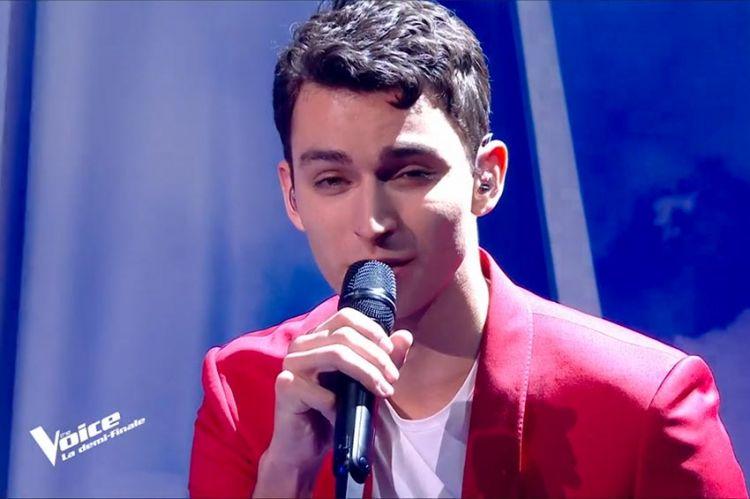 """Replay """"The Voice"""" : Tarik chante « Le déserteur » de Boris Vian (vidéo)"""