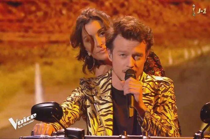 """Replay """"The Voice"""" : Sidoine & Jenifer « J'ai un problème » de Johnny Hallyday en finale (vidéo)"""