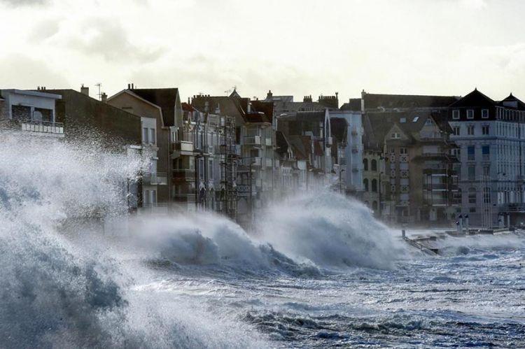"""""""Le Monde de Jamy"""" : la France face aux tempêtes, lundi 18 novembre sur France 3 (vidéo)"""
