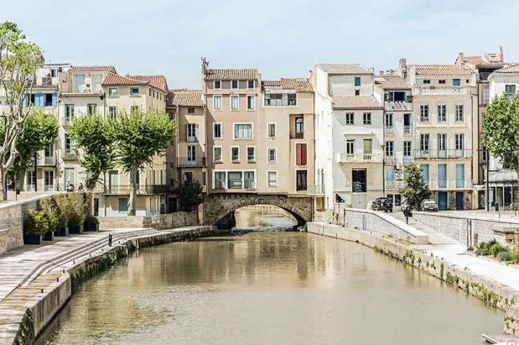 """""""Meutres en Pays cathare"""" en tournage à Narbonne avec Elodie Fontan pour France 3"""