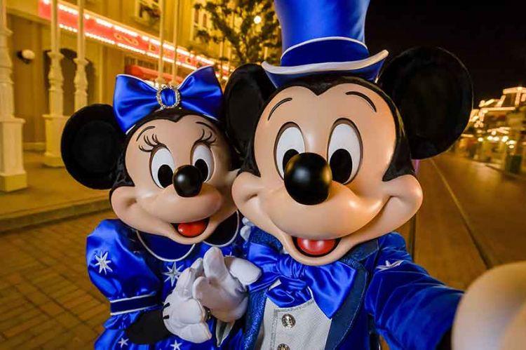 Disney : les plus grands secrets révélés par Elodie Frégé sur C8 depuis Disneyland Paris le 26 décembre