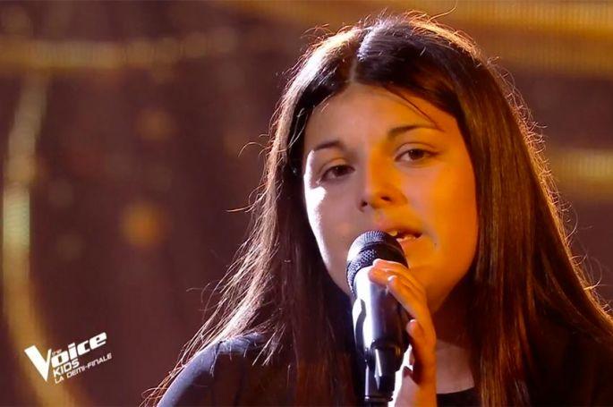 """Replay """"The Voice Kids"""" : Ema chante « Memory » de Barbra Streisand (vidéo)"""