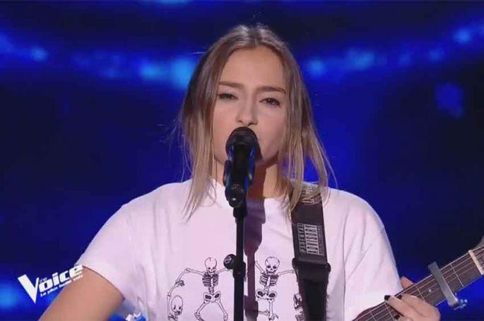 """Replay """"The Voice"""" : Angie Robba chante « Les démons de minuit » d'Images (vidéo)"""