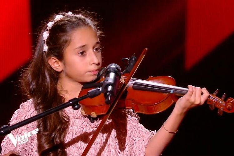 """""""The Voice Kids"""" : TF1 dévoile la prestation de Rébécca sur « Comme toi » de Jean-Jacques Goldman (vidéo)"""