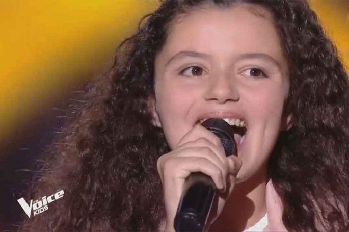 """Replay """"The Voice Kids"""" : Nour chante « Havana » de Camilla Cabello (vidéo)"""