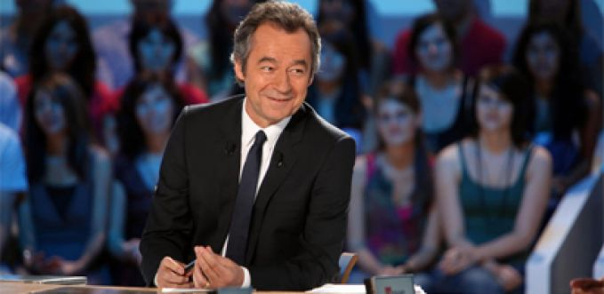 "Michel Denisot reçoit le casting du film ""Very Bad Trip 3"" dans ""Le Grand Journal"" mardi 28 mai"